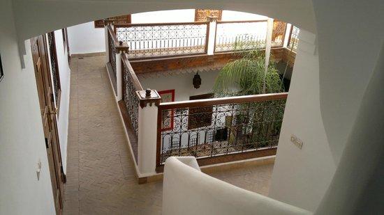 Riad Limouna:                   Couloir de l'étage