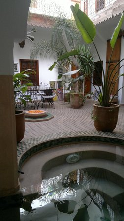 Riad Limouna:                   Patio