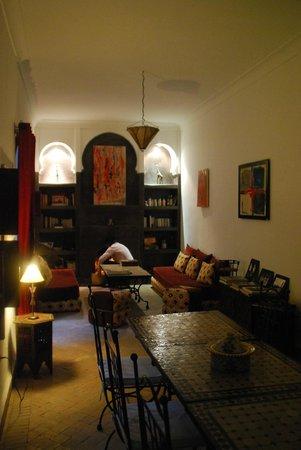Riad Limouna:                   Le salon