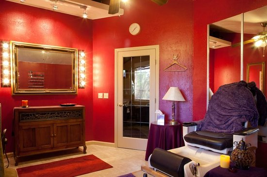 Riviera Wellness Spa: Manicure and Pedicure Room