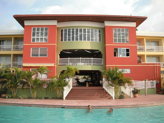 Hatillo, Puerto Rico:                   Alberca