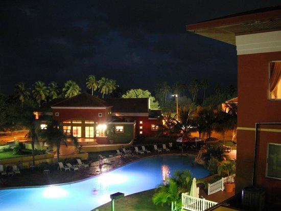 Hatillo, Puerto Rico:                   Nocturna