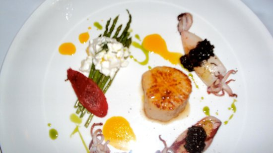 Enoteca Italiana:                                     Asparagus and Burrata with Baby Squid and Sea Scallop