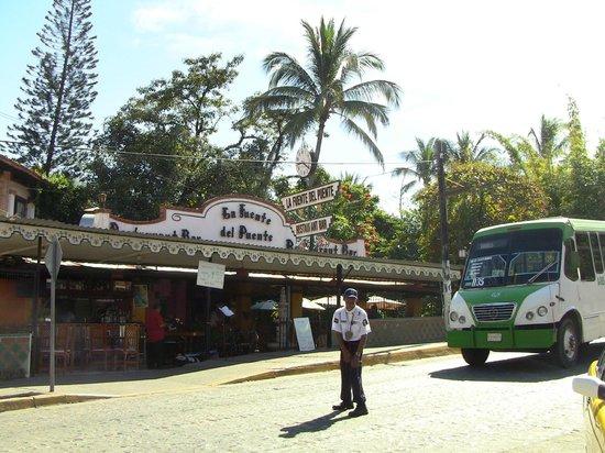 La Fuente Del Puente: Outside of restaurant near bridge