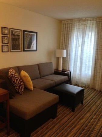 Residence Inn Tampa Sabal Park/Brandon:                                     living area