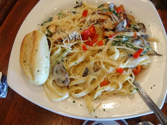 Champs Americana: Blackened Chicken Alfredo