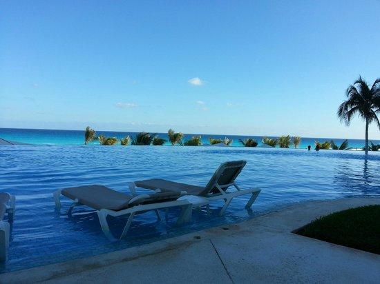 Le Blanc Spa Resort:                                     Pool