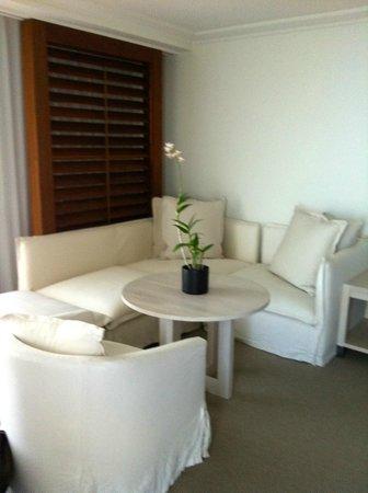 The Modern Honolulu:                                     1 brdm Ocean Front Suite - lounge area