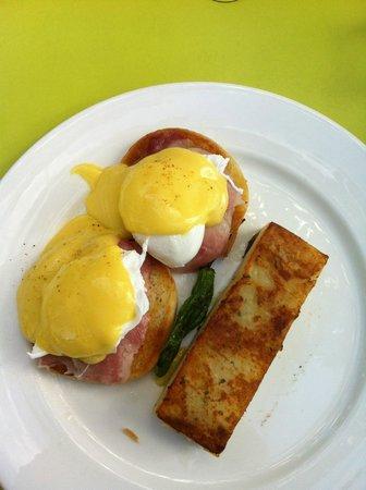 The Modern Honolulu:                                     breakfast - Eggs Benedict