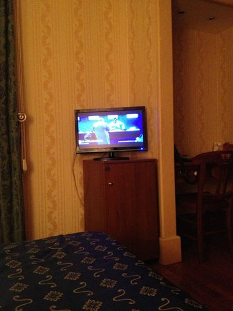 Grand Hotel Hermitage: flat screen could be bigger, but it's ok