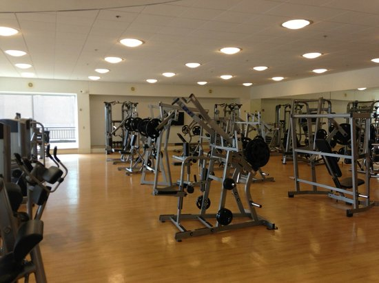 Sheraton Dallas Hotel: this is only half of the gym