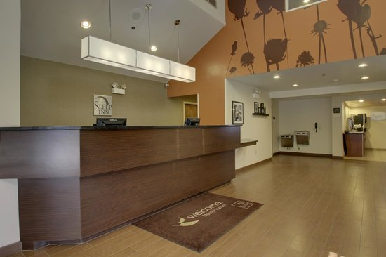 Sleep Inn Mount Pleasant: Front Desk & Accent