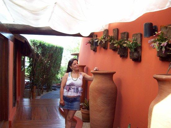 Azeda Boutique Hotel:                   El hotel tiene jardines, pisina con hidromasajes, sauna y si llueve es confort