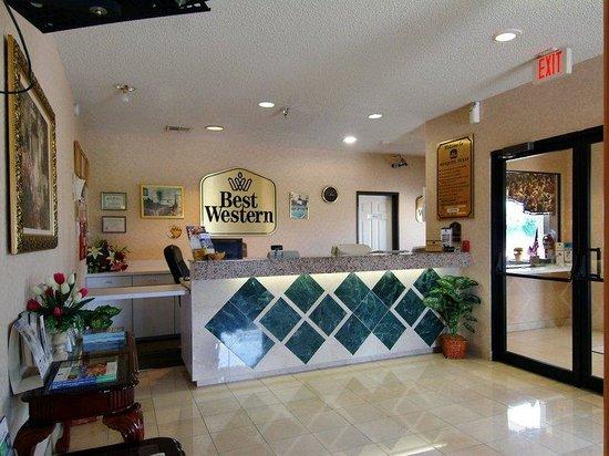 Mesquite Inn & Suites: Lobby