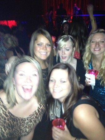 LAX the Nightclub : Some cool girls we met!