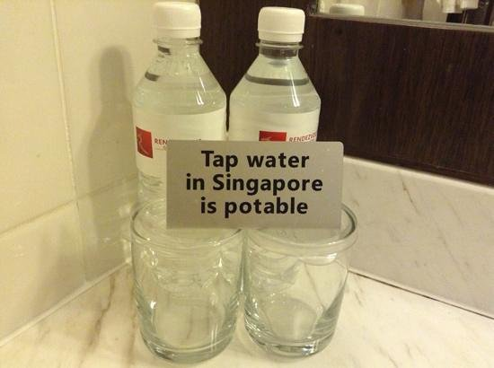 Rendezvous Hotel Singapore by Far East Hospitality:                   comp. water bottles