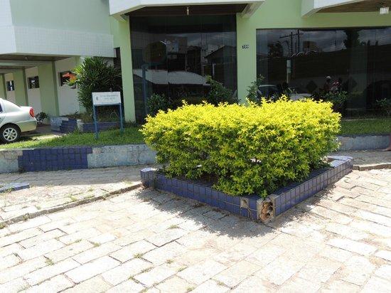 Canasvieiras Praia Hotel:                   ingreso deteriorado