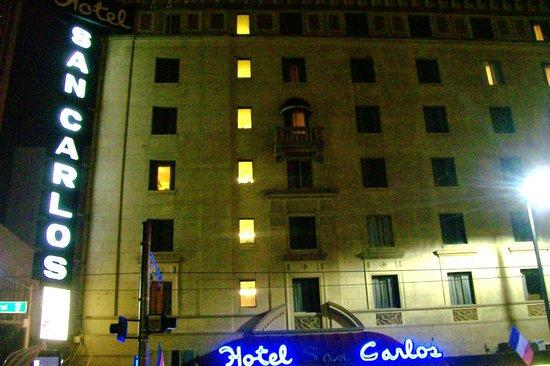Hotel San Carlos: Exterior of hotel