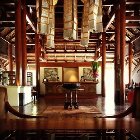 Four Seasons Resort Chiang Mai:                   the lobby area seen from the concierge's seat