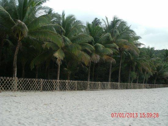 Aninuan Beach:                   Beach Scene 3