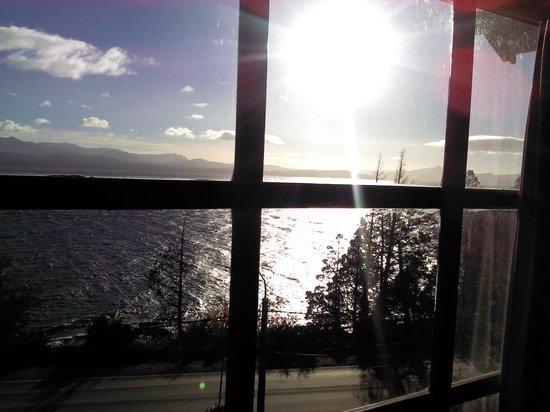Pailahue Lodge & Cabanas: Vista del lago desde habitación