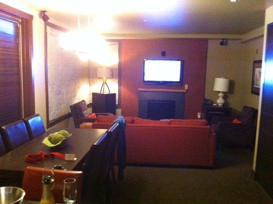 Hotel Terra Jackson Hole, A Noble House Resort:                   Living room