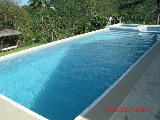 Amihan Del Sol: The pool