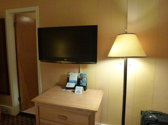 Days Inn Vancouver Downtown : The flat screen TV