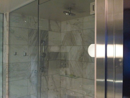 The Palms Casino Hotel: 3 head big walk in shower, pretty nice