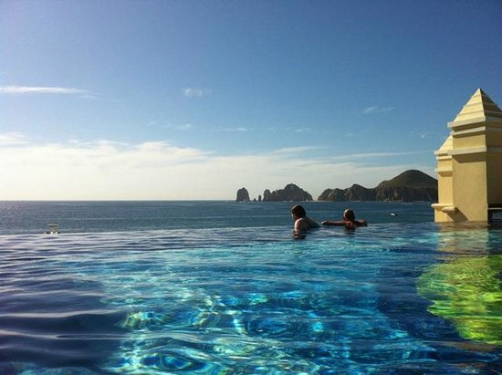 Hotel Riu Palace Cabo San Lucas:                                     Infinite Pool