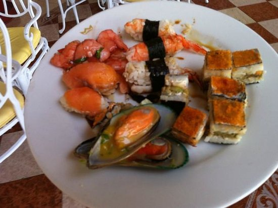 Hotel Riu Palace Cabo San Lucas:                                     The Sushi was amazing!