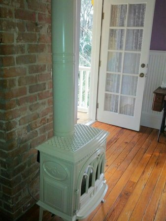 The Laurel Oak Inn:                   Adorable stove in The Lilac Room