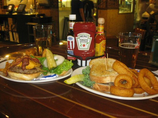 Yucatan Beach Stand Bar : Burgers