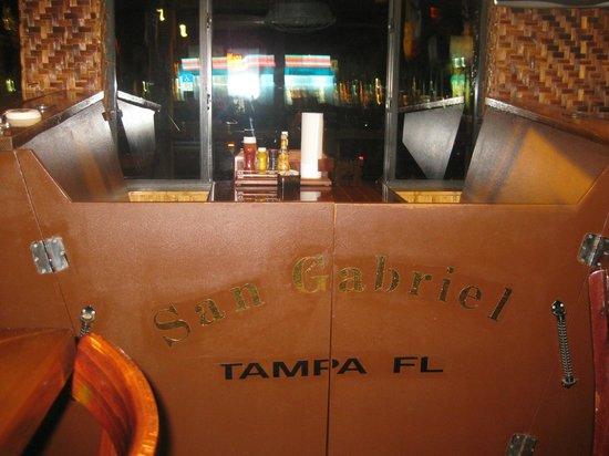Yucatan Beach Stand Bar : Table