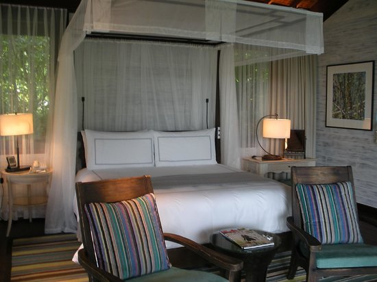 Four Seasons Resort Seychelles: One Bedroom Garden villa bedroom