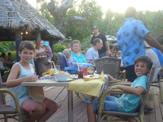 Mana Island Resort :                   dinner for 2!