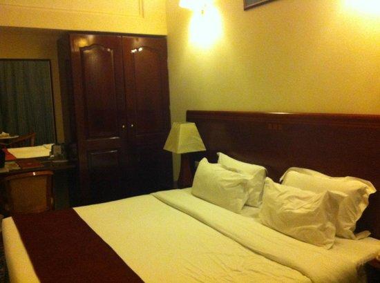 Ramee Guestline Hotel Qurum - Oman: Our room