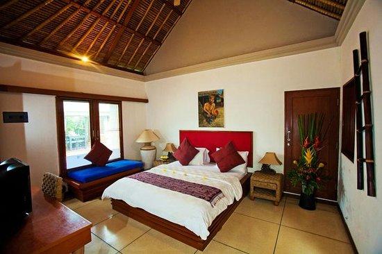 Villa Aroha Seminyak:                                                       master bedroom