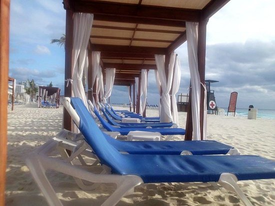 Gran Caribe Resort:                   Beach front