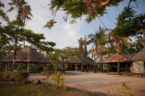 Mana Island Resort:                   mana