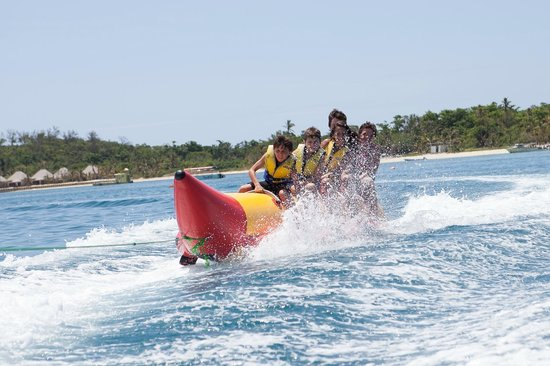 Mana Island Resort :                   banana boat fun