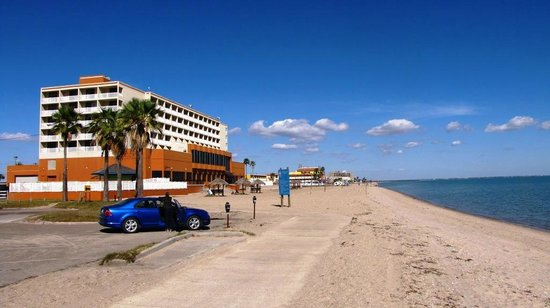 Days Inn Corpus Christi Beach:                   Beach walking distance from hotel