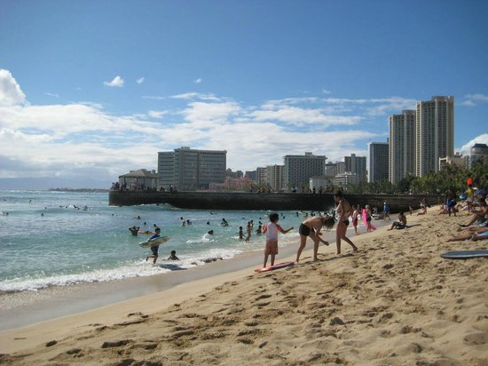 Aston Waikiki Beach Hotel:                   The ocean side of the pier.