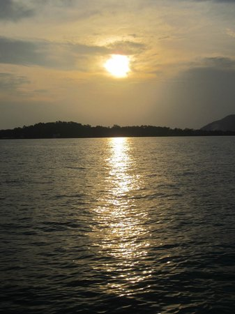 SweetDreamers Charters - Private Day Trips:                   Romantic Sunset on the way home