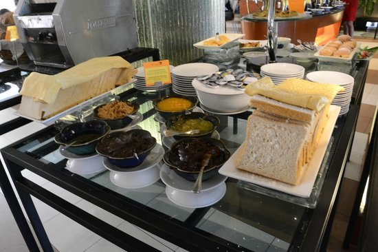 Travelodge Batam: Breakfast Buffet