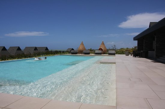 InterContinental Fiji Golf Resort & Spa: Club pool
