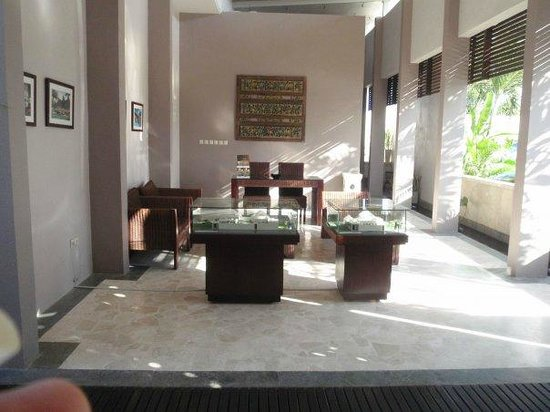Bhavana Private Villas:                   The Lobby