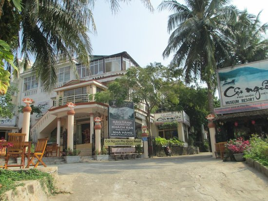 Coi Nguon Phu Quoc Hotel:                   front entrance