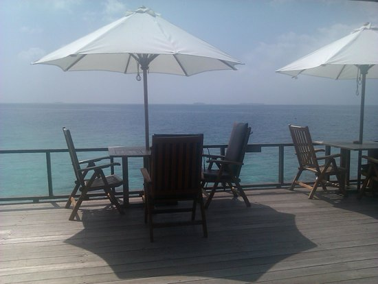 Paradise Island Resort & Spa: The seating outside the bar
