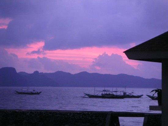 El Nido Resorts Lagen Island:                   刻々と変わる色